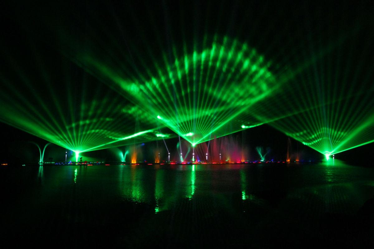 http://laser-show.cn/uploadfile/2016/0531/20160531103920499.jpg